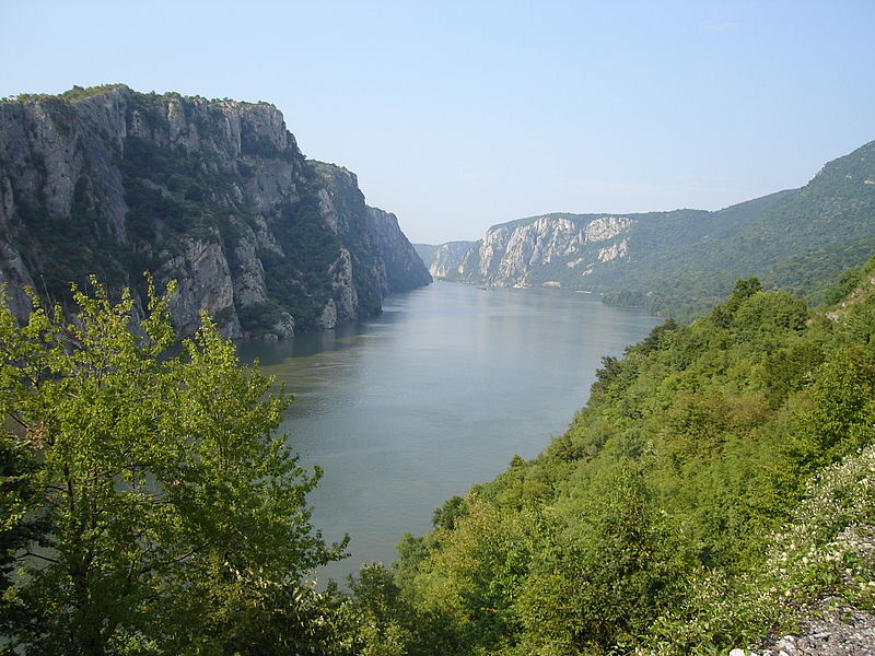 800px-danube_near_iron_gate_2006.jpg